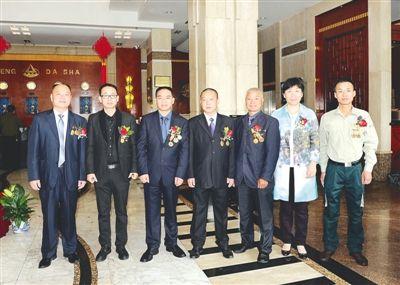南平市六位全国劳模和先进工作者晋京受奖