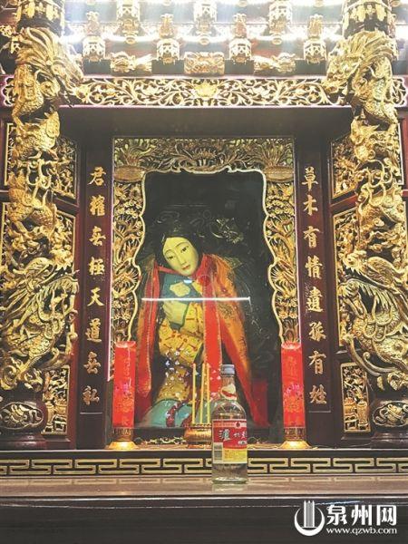 """""""英烈夫人""""也被配祀于比干庙中"""