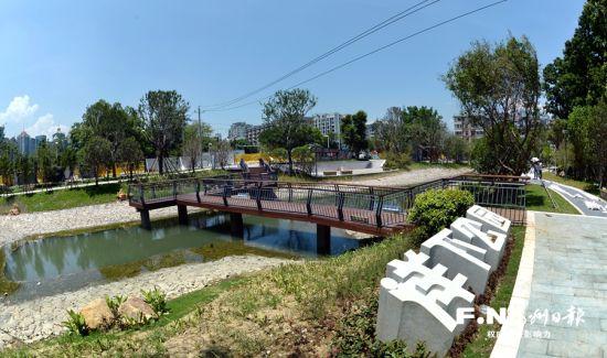 建设 岛路园村小区绿地都有 海绵体
