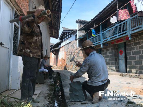 宦溪镇降虎村古街进行提升改造。