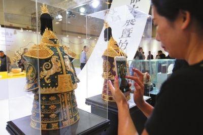 本届文博会首次设立两岸顶级工艺艺术品展区。