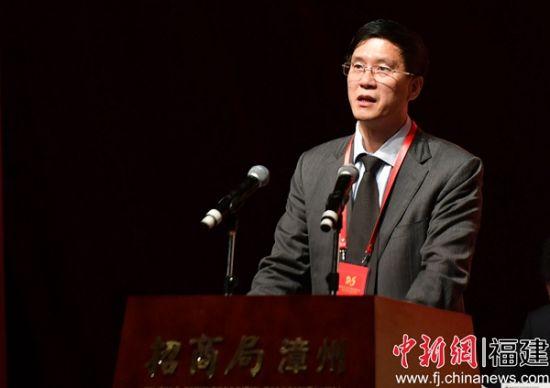 漳州市副市长兰万安致辞。