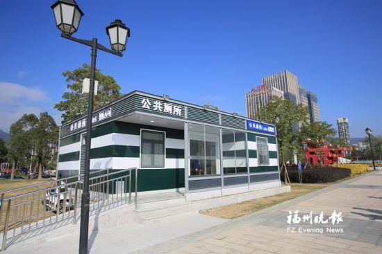 东江滨公园公厕位于东江滨公园中国移动对面,2017年新建,建设面积72平方米。