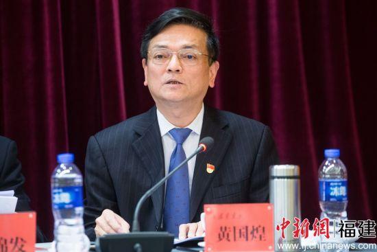 集团党组成员、副总经理黄国煌在作《施工生产管理工作报告》时提出,2018年,集团在施工生产经营上要上新台阶。李南轩 摄