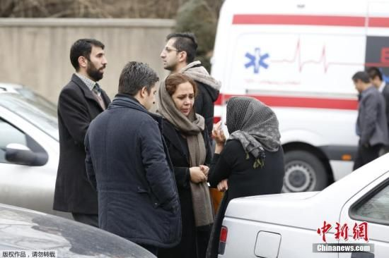 搜救队找到伊朗失事客机残骸 发现45具遇难者