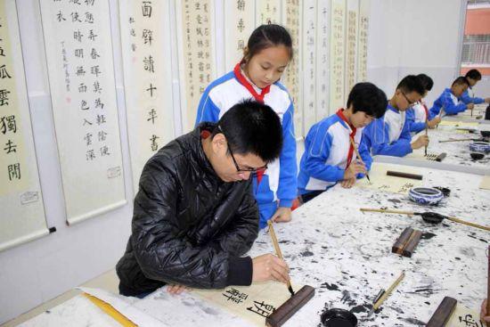 书法实践的洛江教育小学年级现在一图片