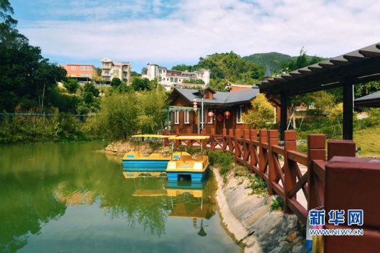 """同安顶村村被评为""""中国最美休闲乡村""""、""""中国乡村旅游模范村""""(资料图)。新华网发(陈嘉新摄)"""