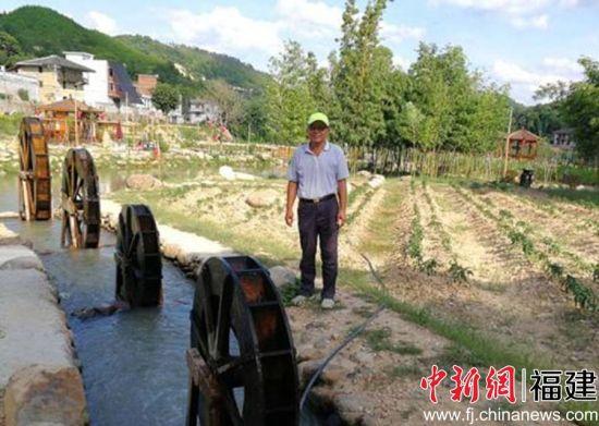 羊顺农庄位于闽清县白樟镇下炉村,是农庄创办人刘兴顺的祖籍地。作为马来西亚第二代华侨,刘兴顺出生成长都不在此地,然而在七年前第一次回到故土时,他便萌发了要扎根于此的念头。