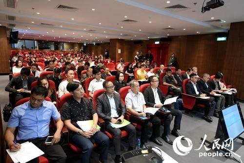澳门就制定《民防纲要法》进行公开咨询现场 (人民网记者 苏宁 摄)