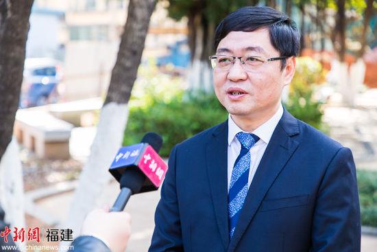 """黎立璋在接受中新网记者专访时表示,三钢集团对环境保护的追求将""""永不知足""""。李南轩 摄"""