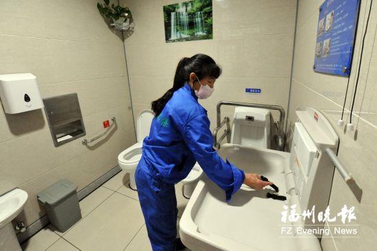 道山路智能公厕内设有第三卫生间。
