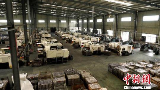 长汀产业园区机械电子等产业发展迅猛。 朱芳彬 摄