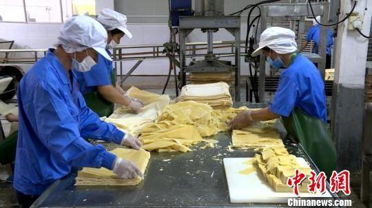 豆腐干是闽西八大干之一的长汀特色产品。 邱冰花 摄