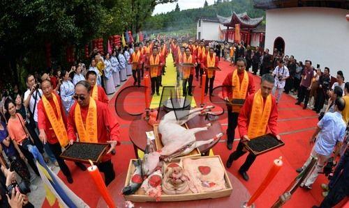 """图为9月16日,茶企代表祭""""茶神""""。"""