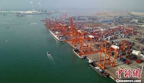 资料图:码头。中新社记者 俞靖 摄
