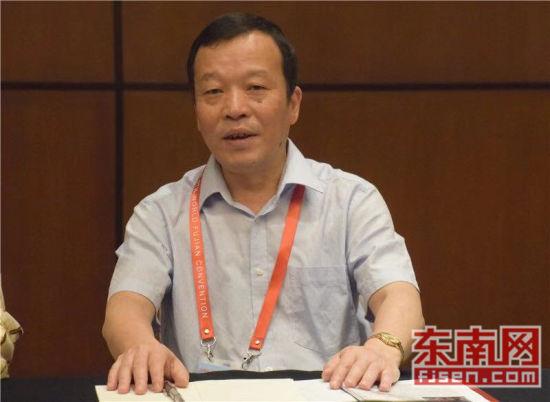 澳门正规赌博网站大全省海外交流协会副会长郑惠文讲话。