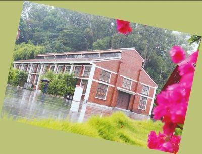雨中的农民戏馆