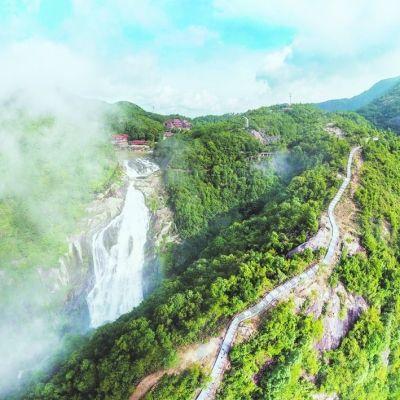 """位于仙游县钟山镇的九鲤湖风景区,因""""祈梦文化""""而闻名。"""