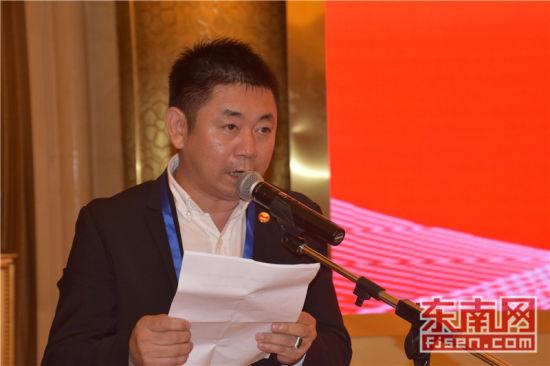 共同团长、旅菲各校友会联合会主席王来法致辞。