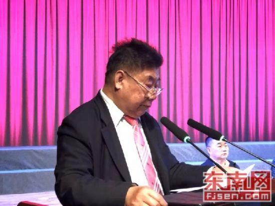 杨时后裔、世界杨氏联谊总会名誉主席、美中经贸科技促进总会主席杨功徳致辞。