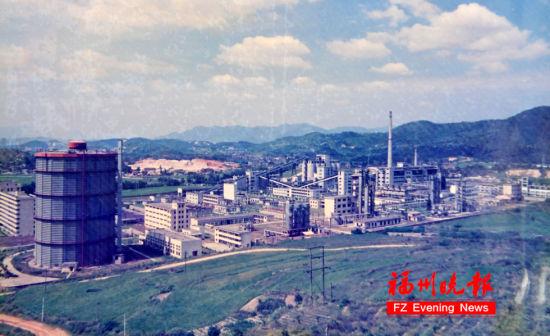 以前的澳门真人博彩娱乐官网煤气厂全景。傅振明 摄