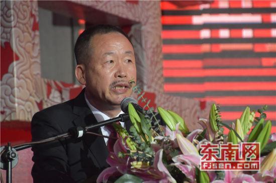 世界六桂宗亲总会总会长洪文化致辞。