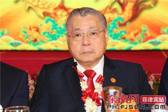 名誉理事长许泽堆担任监誓员并训诲。