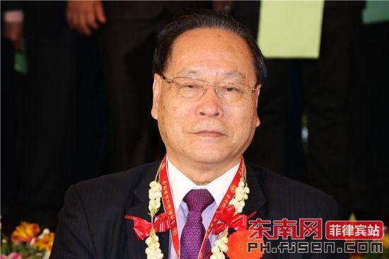 香港龙湖同乡联谊会庆贺团团长施金象致辞。
