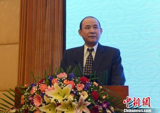 雷典武对关于石化产业的合作进行了发言。 夏惠娟 摄
