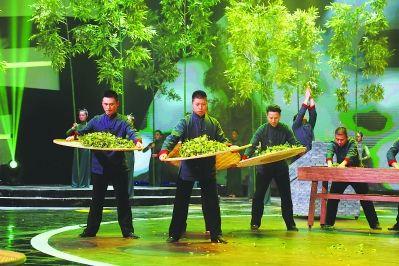 国家级非物质文化遗产——大红袍制作技艺精彩展演。 金文莲 衷柏夷 摄