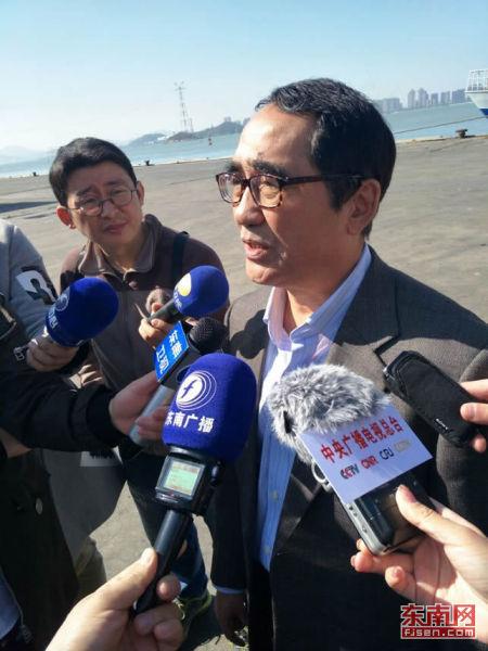 厦门雅山贸易有限公司执行长、台湾农业整合行销发展协会厦门办事处主任温仁德接受采访。记者 陈玮 摄
