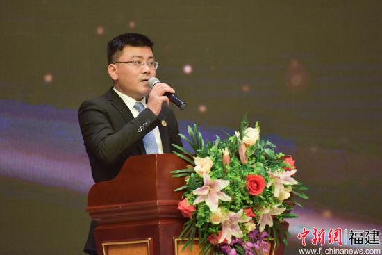 丰泽留联会长陈超新。