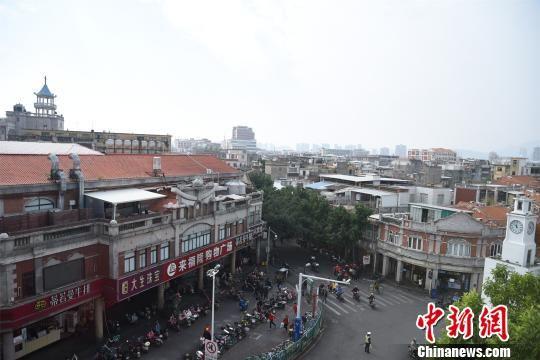 中山路泉州古城的南北中轴线和古城文化载体,承载着市民对古城的记忆。 陈龙山 摄