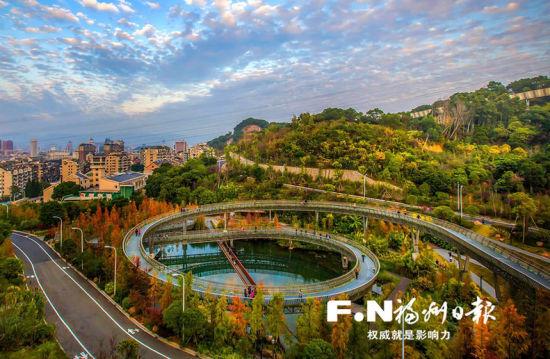风景如画的梅峰山地公园。记者 叶义斌摄