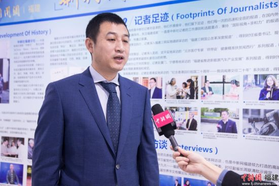 李勇正在接受中新网记者专访。李南轩 摄