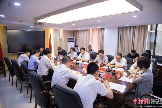 """24日下午,""""福州市及鼓楼区军民融合产业布局研讨会""""在福州召开。李南轩 摄"""