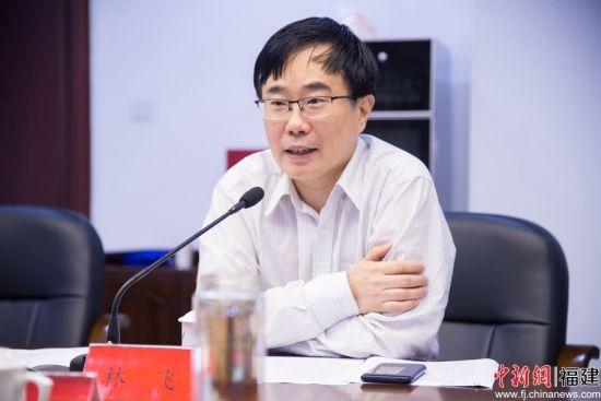 林飞表示,今后会立足福州产业基础和比较优势,大力促进卫星应用产业发展,不断提升福州创新发展水平、加快产业转型升级。李南轩 摄
