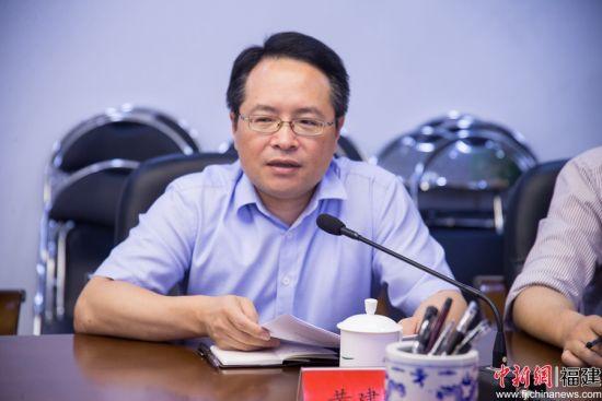 黄建新详细介绍了鼓楼区福州卫星应用产业园项目地工作进展情况和下一步工作计划。李南轩 摄
