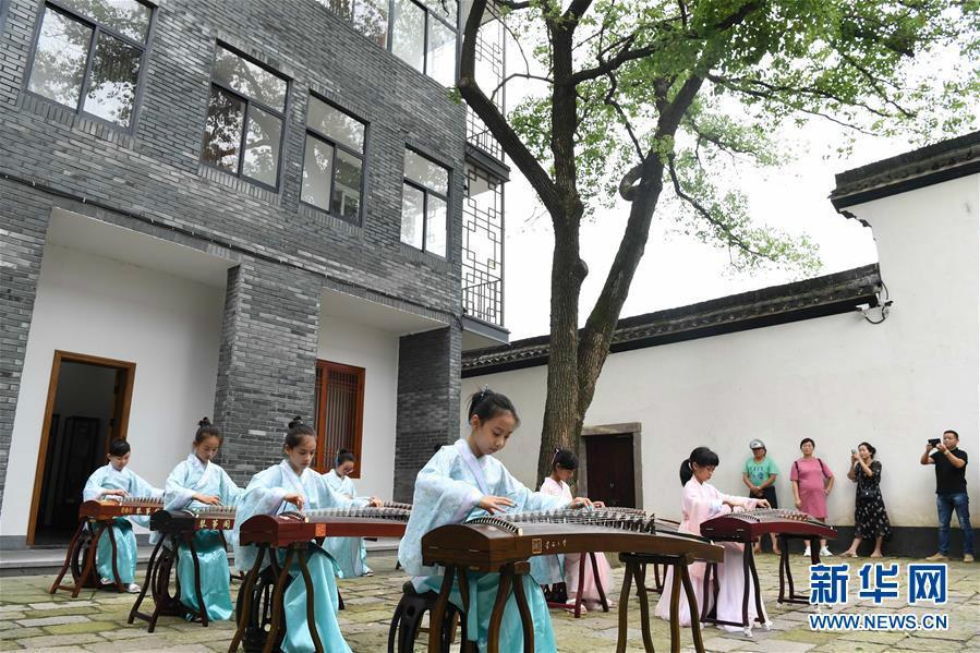 千年江南古镇在文化传承中焕发生机