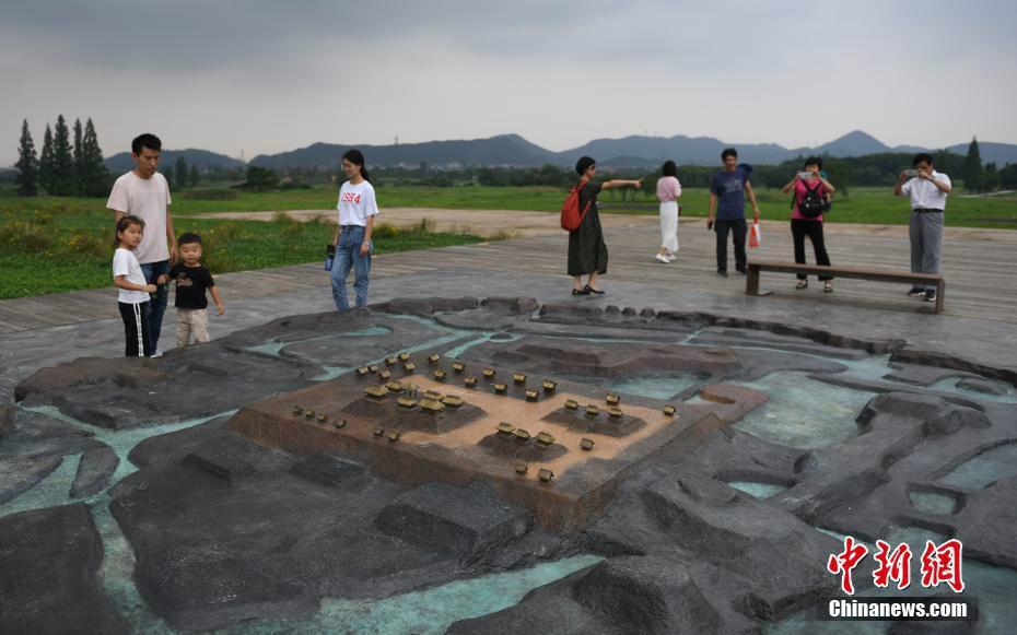 良渚古城遗址公园迎来参观热 每天限3000人