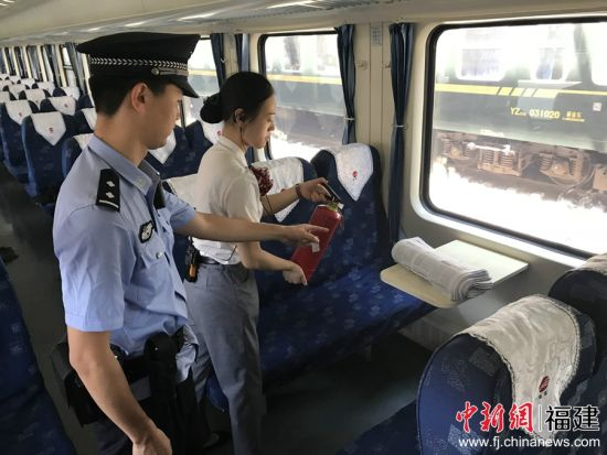 """南铁警方启动""""平安站车路、金盾护你行""""专项行动"""