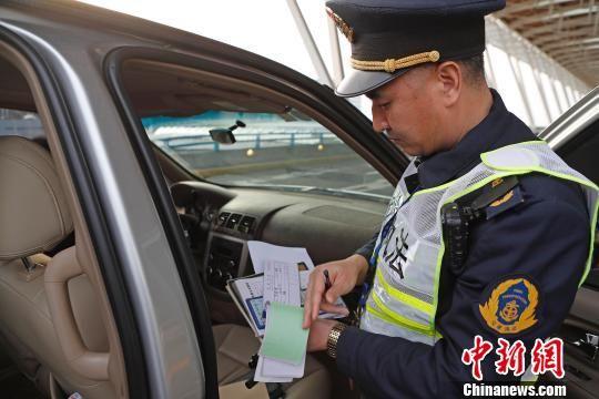 厦门发布全国首个地方标准规范网约车运营