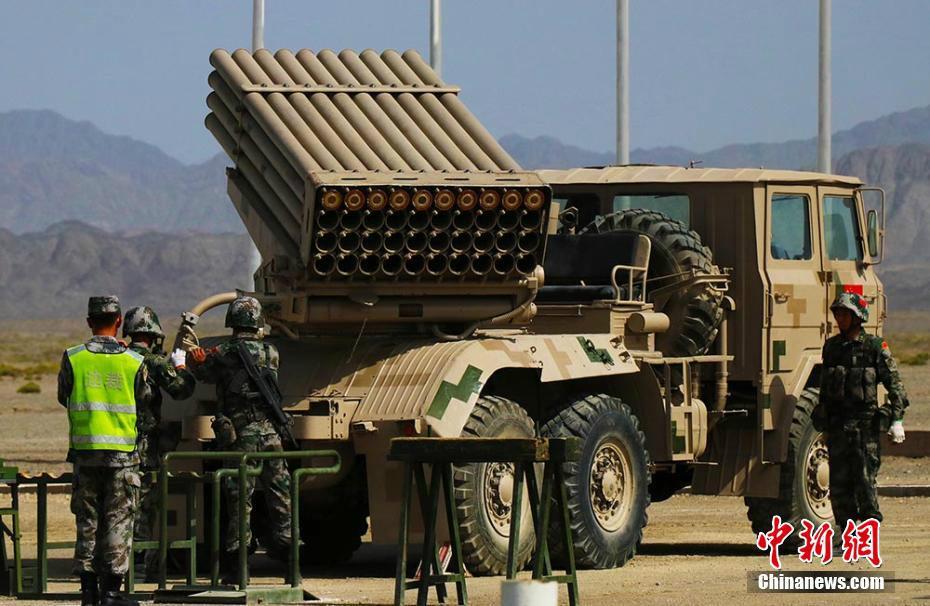 """六国""""军械能手""""比拼火箭炮修理 中国队用时最"""