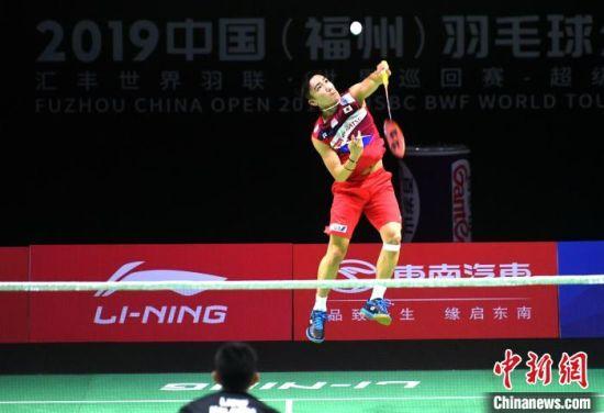 桃田贤斗在比赛中。 吕明 摄