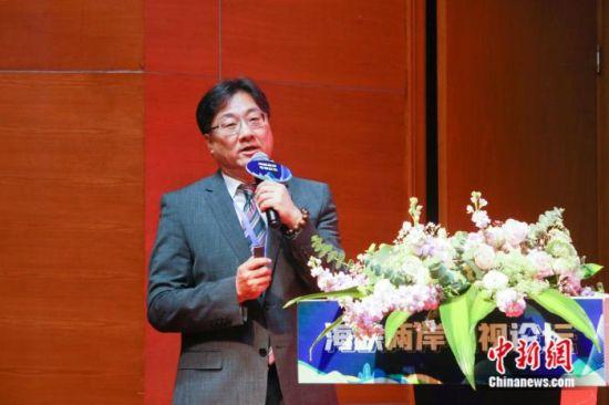 台湾知名制作人罗法平在海峡两岸电视论坛上演讲。徐晨 摄