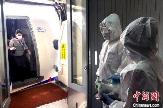 厦门对所有境外入厦航班启动疫情防控处置程序。翔业集团供图