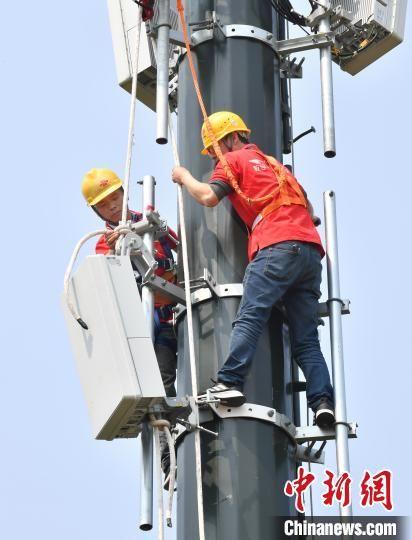 中国联通福建省分公司5G建设场景。 柯研 摄