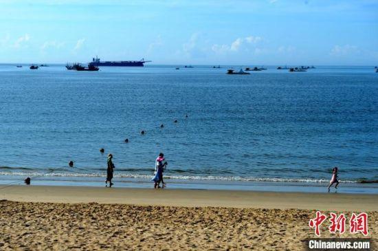 东山是全国第六、福建省第二大海岛县,拥有中国南部极具魅力的旅游沙滩。 张金川 摄
