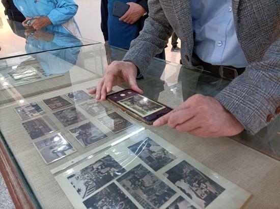 展览还展出黄鸿恩珍贵影像。
