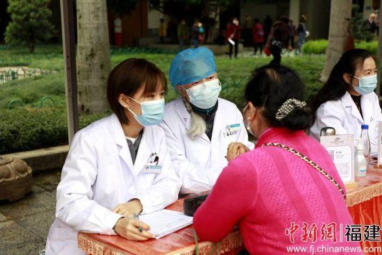 来自妇科、乳腺科、中医外科的19位资深专家医师,为女性朋友们免费提供疾病诊断、健康咨询等医疗服务。